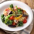 料理メニュー写真7種野菜と帆立のペペロンチーノ