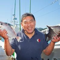 『ねこや商店』から仕入れる宮崎獲れの鮮魚をどうぞ。