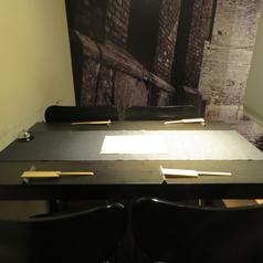 女子会や大人のデートにもピッタリのお洒落な店内です。4名様~ご利用頂ける個室有。テーブルをつなげれば最大10名様の個室にもなります。