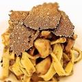 料理メニュー写真ミツクラさんのマッシュルームと黒トリュフのラグーソース 自家製タリアテッレ