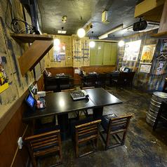 下町の大衆居酒屋のような、居心地の良い空間です♪
