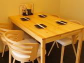 写真のほかに誕生日席のあるテーブル席もございます