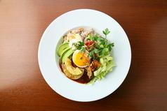 料理メニュー写真照りたまハンバーグのロコモコDON