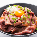 料理メニュー写真ローストビーフ丼 ver.3.0