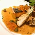 料理メニュー写真北海道産鮭「銀聖」の炭火焼 焦がしバターソース いくらのせ