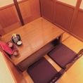 仕切りを外して人数調整も可能な掘り炬燵個室