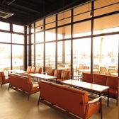 放感あふれる店内はランチはもちろん、カフェ使いや夜カフェ利用、女子会などの利用にも最適♪