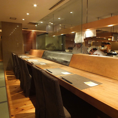職人の技が光るオープンキッチン