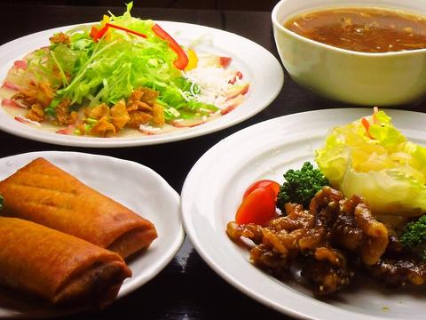 地元食材と中華の食材をコラボした、手作り基本の懐かしく親しみある味の中華料理店。