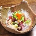 料理メニュー写真鮪とアボカドの醤油ポキ、タコポキ、mixポキ
