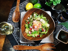 ラディッシュとグレープフルーツのカリブ風マリネのサラダ