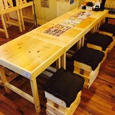 5~8名様用のテーブル席。