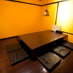 8名様用掘りごたつ完全個室です!正方形で広々で席移動OK★接待にも◎会社の飲み会もプライベートも大事なシーンも、しんちゃんにお任せ☆