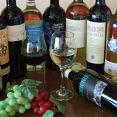 毎週替わるおすすめワインも豊富にご用意しております。