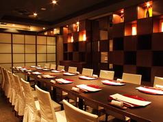 4名席などご要望にお応えしてテーブルの配置変えられます!ご宴会などのお問い合わせはお早めに!