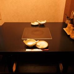 【テーブル席】2名様~ご利用いただけるテーブル席です。カップルや少人数でお気軽にご利用頂けます。