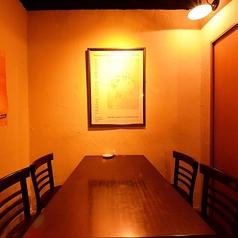 1番奥のお席はちょっと隠れてるので、個室感覚でご利用ください。デート や 女子会 に☆