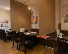 テーブルとテーブルの間が広くてゆったりとなれるお店!!