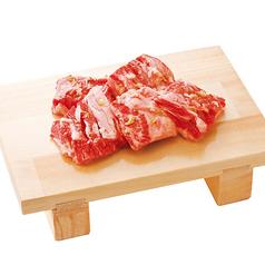 料理メニュー写真秘伝の塩ダレ厚切りカルビ