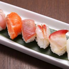 料理メニュー写真握り寿司(6貫)