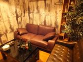 完全個室VIPソファー席完備。人気のお席です。ご予約はお早めに♪