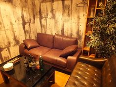 完全個室VIPソファー席完備※4名様でリッチコース以上ご予約でご利用頂けます。人気のお席です。ご予約はお早めに♪