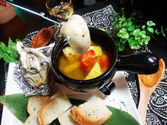 アヒージョ・大粒の牡蠣とサクサクバケット