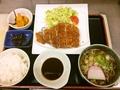 料理メニュー写真ぷりぷりエビの天ぷら定食、お刺身定食、とんかつ定食、里のめぐみ定食