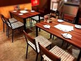 広いテーブルを囲んでみなさんでお食事を楽しんで頂けます♪