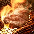名物のドシ炭火焼ステーキは必ずご賞味頂きたい逸品です。豪快に焼き上げる厳選肉をご堪能下さい。
