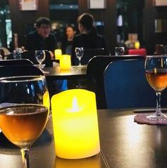 夜になると中華料理店だと忘れてしまうような、シックな雰囲気に変わります。