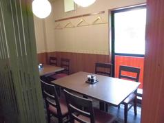 だるま屋「別館」は完全予約制/コース料理のみの営業となっております。【ご予約の際は、直接店舗へお問い合わせ下さい。】  全席テーブル席・全6卓・全てドレープで半個室に仕切る事が可能です☆