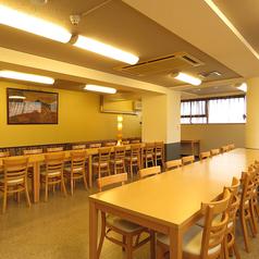 二階別邸の宴会場。15~36名まで可能なテーブル席!大人数様でも安心してご利用いただけまる個室をご用意♪貸切のご案内も出来ますので気軽にご相談を!合コン・宴会などにも最適なお席でお待ちしております。