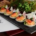 料理メニュー写真海老と彩り野菜ののマヨネーゼカクテル仕立て