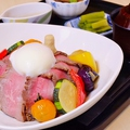 料理メニュー写真信州牛肉ローストビーフ丼