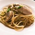 料理メニュー写真牡蠣と生のり、青唐辛子のスパゲティ