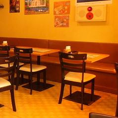 2名テーブル6卓