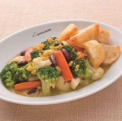 温野菜のバター風味 揚げポテト添え