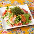 料理メニュー写真海ぶどうの海鮮海人サラダ
