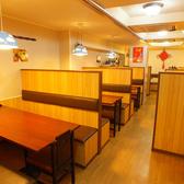 広々スペースの店内では、一つ一つのテーブルがそれぞれ独立している為、ゆっくりとおくつろぎ頂けます。普段のお食事や、飲み会、接待や会食など、お喋りと本格中華をご堪能ください♪