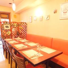 【テーブル8名席】大人数も歓迎!お席とお料理の準備をするので、ご予約が安心です。