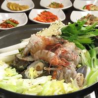 数種類の魚介をふんだんに入れた海鮮鍋(ヘムルタン)♪