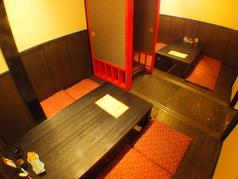 掘りごたつ席は襖を取り最大16名様まで収容可能。様々な人数に応じお席を調整しますので、お気軽にお問合せ下さい。