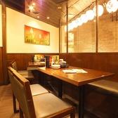 ゆったり寛げるテーブル席は、少人数のワイワイ飲みにも最適☆シーンに合わせて様々なタイプのお席ございます。詳しくはお店までお問い合わせください!