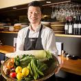 目の前で料理人の調理を見ながらお食事を楽しめるのはカウンターの特権です!貸切可能です!!