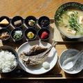 料理メニュー写真8種のおばんざいと真鶴産アジのおちょこ御膳