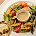 料理メニュー写真彩り焼き野菜のガーデニングサラダ