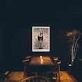 2階のテーブル席。ワンランク上のミクソロジーバーをお楽しみください…。