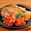 料理メニュー写真名物 鶏の3種焼【鶏むねタンドリー風・鶏もも黒胡椒焼・バッファローウィング】