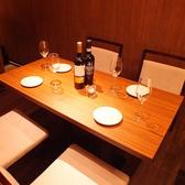 女子会や少人数のお食事に最適なテーブル